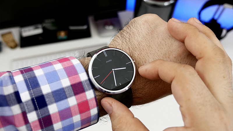 5 Reasons why you should own Moto 360 Smartwatch_Sleek Design & Best Built quality
